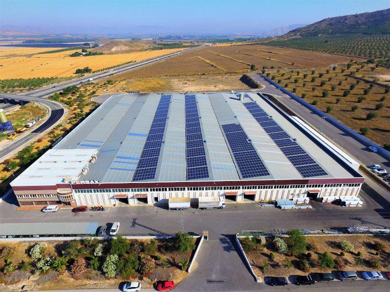 Instalación autoconsumo industrial para Persax, Alicante